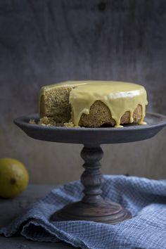 Sitruuna-polentakakku