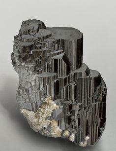 Ferberite with Muscovite