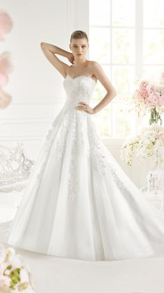 GELYD   Bridal Gowns   2015 Collection   Avenue Diagonal