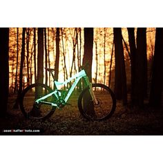 """A glow in the dark bike by Niner! It puts a new spin on """"night trail riding"""". I want one!"""