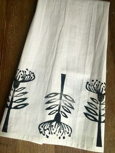 Vintage Modern Flower Dish Towel / Scandinavian / Bohemian / Flour Sack / White / Black / Minimal Design / Burp Cloth / Cafe Curtain