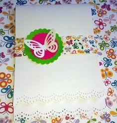 Convite feito com técnicas de scrapbook. Parte interna impressa a laser. As Borboletas e círculos podem ter as cores modificadas, de acordo com as cores da sua festa.  Também faço adesivos, lembrancinhas, tags, etc. com o mesmo tema. R$ 4,00 http://www.elo7.com.br/convite-jardim-das-borboletas/dp/4AB642