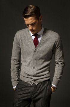 The Tie Guy Cardigan Outfits, Grey Cardigan, Wool Cardigan, Fashion Moda, Mens Fashion, Fashion Fashion, Fashion Ideas, Fashion Brands, Fashion Updates