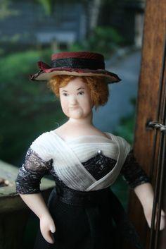 Doll by Taru Astikainen. Styling by her present owner Erja Helander Miniature Dolls, Victorian, Dresses, Style, Fashion, Vestidos, Swag, Moda, Fashion Styles