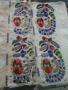 Nostalji Antika Embroidery Art, Cross Stitch Embroidery, Textiles, Turkish Fashion, Islamic Art, Design Crafts, Handicraft, Embellishments, Bohemian Rug