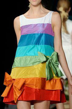 Rainbow sun dress on a cat walk (fashion show runway) floralprintscolor block, catwalk, rainbow sun, bow fashion, 02e runway, rainbow dress, daqui, achadosdali, moschino