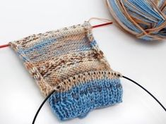 """One Day Baby Beanie Free Knitting Pattern- - knithat.One Day Baby Beanie Free Knitting Pattern- - knithat.- - - Baby Day Free knithatdecorhous Knitting """"Rakiraki"""" socks - dog-made Knitting For Dummies, Knitting Blogs, Knitting Charts, Knitting Stitches, Knitting Socks, Knitting Needles, Free Knitting, Knitting Projects, Baby Knitting"""