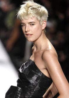 Agyness Deyn, favorite model ever Hairstyle, Hair Inspiration, Boho Hairstyles, Short Hair Model, Long Hair Styles, Short Hair Styles, Womens Hairstyles, Hair Beauty, Hair Styles