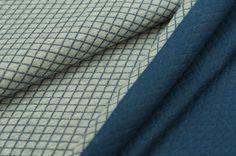 Toller Steppstoff in einem schönen melierten Farbton. Er ist angenehm zu tragen und in bester Qualität gefertigt. Steppsweat eignet sich besonders gut für die Herstellung von Kleidungsstücken, wie Kleider, Röcke, Pullover, Mützen uvm....