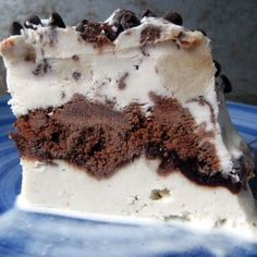 """Better Than Dairy Queen """"Ice Cream"""" Cake"""