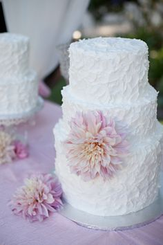 Amazing butter cream cake with a dahlia, by I Would Rather Be Baking. Photo by Stephanie Fay. Ventura County Bakery.
