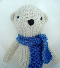 Theodore the knitted bear by Yarnigans