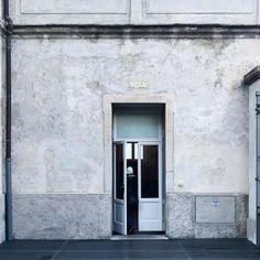 A local favourite #MRPORTERontheroad #mrporterstylecouncil #Milan #MFW
