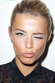 LOUISA nextstopfw | makeup beauty natural bronze lipstick look classic minimal chic eyes lips dewy
