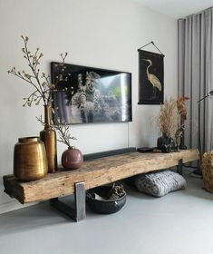 cool TV furniture from railway sleepers room inspiration Inspirational TV furniture diy ● self .-tof tv-meubel van spoorbielzen Stoer tv meubel diy ● zelf… great TV furniture made of railway sleepers # living room inspiration… - Interior Design Living Room Warm, Living Room Designs, Small Bedroom Designs, Tv Wall Design, Wood Table Design, Tv Furniture, Rustic Furniture, Furniture Ideas, Antique Furniture