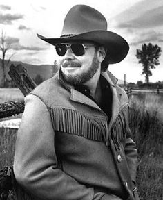 Hank Williams, Jr. https://play.google.com/store/music/artist?id=Aoxq3iz645k55co23w4khahhmxyfeature=search_result