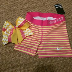 NEW NIKE PRO SET NIKE PRO SIZE SMALL SHORTS NEW AND MATCHING CHEER BOW Nike Shorts