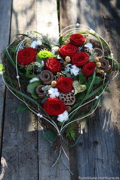 All Saints Day - Dandelion- Allerheiligen – Pusteblume All Saints Day – Dandelion - Deco Floral, Arte Floral, Floral Design, Grave Flowers, Funeral Flowers, Cemetery Flowers, Funeral Flower Arrangements, Floral Arrangements, Cemetery Decorations
