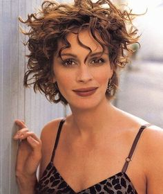 Julia Roberts - Photo posted by flowerina - Julia Roberts - Fan club album