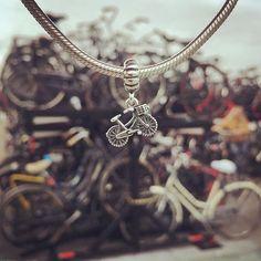 #bicicle #netherlands #amsterdam #holand #lovetotravel #travelaroundtheworld #pandoraaroundtheworld #allaroundtheworld #aroundtheworld #Pandora #myPANDORA #pandorafan #charm #pandorabracelet #pandorastyle #pandoracollection #pandorajewellery #pandoralover #pandoramonamour #pandorainlove #instapandora #pandora_moment #unforgettablemoments #travelcharms #mypandorabracelet #eurotrip #imamsterdam #iloveamsterdam