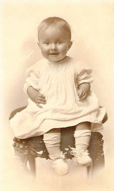 +~+~ Vintage Photograph ~+~+  Bright eyed and happy!