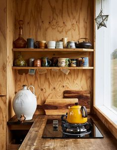 Self-Built Weekender Cabin The Design Files - A Self-Built Weekender Cabin.The Design Files - A Self-Built Weekender Cabin. Kitchen Interior, Kitchen Design, Kitchen Decor, Kitchen Ideas, Cabin Kitchens, Wooden Kitchens, Small Kitchens, Cabin Interiors, The Design Files