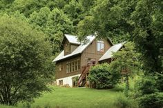 House Tweaking, Asheville, Country Living, Places To Go, Cabin, House Styles, Travel, North Carolina, Home Decor