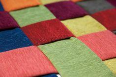 Vevdvik. Mykt møbelstoff som minner om velur. Fargerik kolleksjon som går fra nedtonede grå toner til mer klare og sterke farger. Designer: Kristina D. Aas