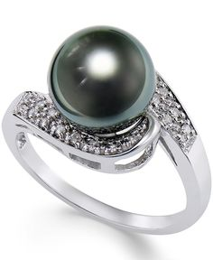 Fall in love with the graceful lines and the lustrous look of this cultured Tahitian black pearl (9mm) and round-cut diamond (1/10ct. t.w.) ring. Crafted in 14k white gold. | Photo may have been enlar