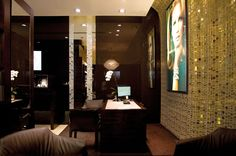 GLASS MOSAIC LIBERTY IN TOPAZ BY TREND GROUP