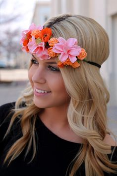 Every girl needs some flowers in her hair! Adorn your crown with our Tropical Hibiscus Headband for a lovely look that is a real crowd pleaser. Floral cluster crown with elastic band for the perfect f