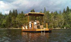 El barco-pontón eléctrico solar Firefly autoconstruido y sostenible por sólo 2.350 euros. Desplázate por lagos como los canadienses, su entorno natural, a coste cero y sin emisiones ni ruidos.