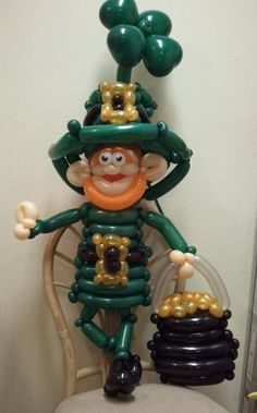 #balloon #leprechaun #balloon #art #sculptures #twist #characters #balloon #decor #saint Patrick's day