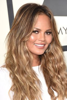 Chrissy Teigen's Sunkissed Waves and Nude Lips