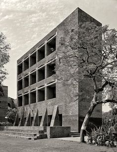 IN, Ahmedabad, Indian Institute of Management. Architect Louis Kahn, 1970.