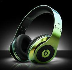 Dit is de werelds duurste hoofdtelefoon, welke alien klank zou er daar uitkomen die zn geld waard is? / Most Expensive Beats By Dre Headphoneshttp://www.ealuxe.com/most-expensive-beats-by-dre-headphones/