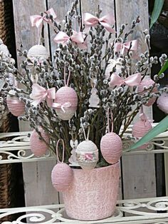 Super Easter Tree Decorations Ideas Egg Crafts 32 Ideas in 2020 Egg Crafts, Easter Crafts, Diy And Crafts, Easter Tree Decorations, Easter Wreaths, Easter Centerpiece, Centerpiece Ideas, Easter Table, Easter Eggs
