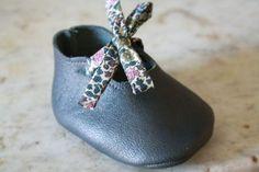 chaussons bb en cuir - création Thaïs et Tibère