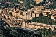 """italian-landscapes: """"Urbino, Marche, Italy Urbino was the capital of the Duchy of Urbino from 1473 to when it was annexed to the Papal States. The most famous Duke was Federico da Montefeltro. Famous Portraits, Italian Renaissance, Renaissance Art, Italy Travel, Paris Skyline, Palace, Mansions, House Styles, World"""