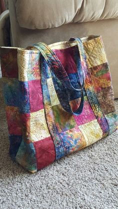 Quilted bag done in Batiks