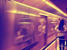 """""""Na vida só resta seguir, um risco, um passo, um gesto, um rio afora.."""" (Tribalistas) /Foto metrô Consolação"""