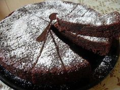 Torta morbida ricotta e cacao senza glutine Soft ricotta and cocoa cake without gluten. Soft, fluffy, chocolatey cake that melts in your mouth, what more could you want? Gluten Free List, Vegan Gluten Free, Gluten Free Recipes, Sin Gluten, Gluten Free Meatloaf, Cocoa Cake, Torte Cake, Cooking Time, Free Food