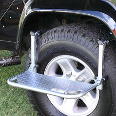 Kayak Accessories Homemade Wheel Step - Uses: for gaining easier access to your roof rack, to the engine, and you can use it as a viewing platform and a seat. Jeep Mods, Truck Mods, Truck Camping, Jeep Truck, Ute Camping, Defender 90, Land Rover Defender, Land Cruiser, Car Wash Soap