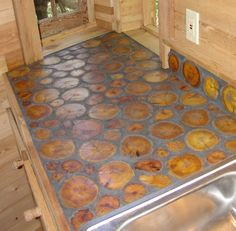 Flooring made of Bois d'arc trees - simply amazing! Lavabo Design, Tile Design, Cordwood Homes, Casa Top, Natural Homes, Natural Building, Earthship, Wood Countertops, Home Builders