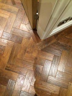 Karndean Art select colour Auburn oak in parquet formation with a border Parkay Flooring, Karndean Flooring, Parquet Flooring, Vinyl Flooring, Flooring Ideas, Hallway Flooring, Kitchen Flooring, Red Oak Floors, Luxury Vinyl Tile