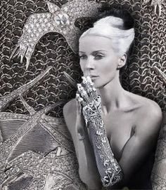 Diamond hand armour. The most glamourous claw ever.