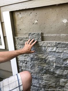 Airstone Faux Stones on Concrete Wall Install - Southern Hospitality Faux Stone Siding, Faux Stone Walls, Brick And Stone, Stone Veneer Exterior, Wall Exterior, Stone Panels, Concrete Wall, Concrete Siding, Painted Concrete Floors