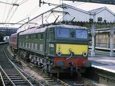 Electric Locomotive, Diesel Locomotive, Third Rail, British Rail, Electric Train, Old Trains, Ways To Travel, Diesel Engine, Trains