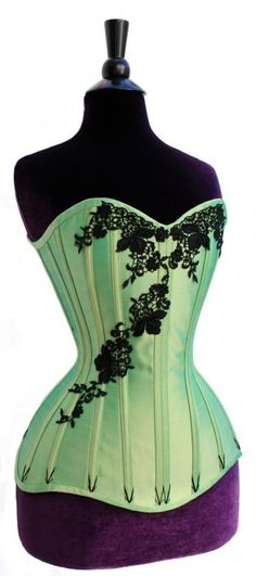 Steampunk Poison Ivy...perfect excuse to buy a new   corset