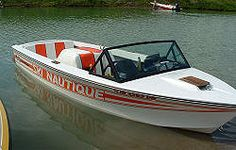 Ski Nautique 1980 Ski Boats, Cool Boats, Small Boats, Vintage Boats, Vintage Ski, Boat Building Plans, Boat Plans, Speed Boats, Power Boats